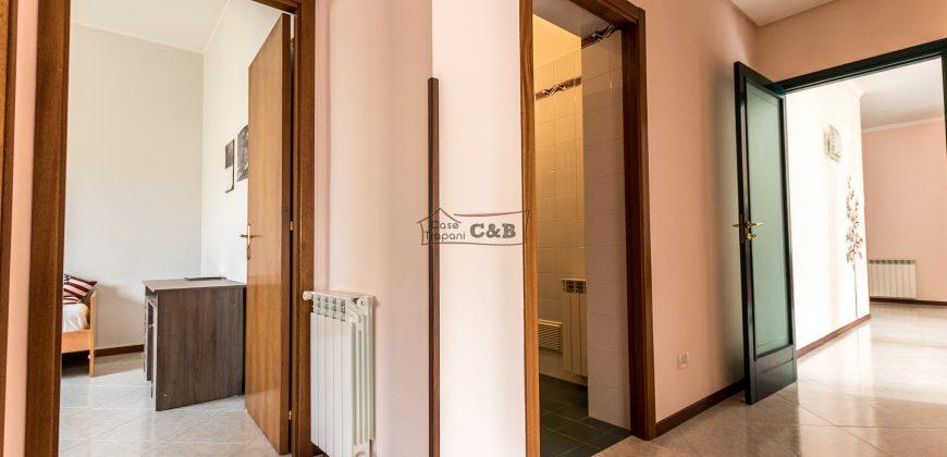 Appartamento ristrutturato zona via Fardella