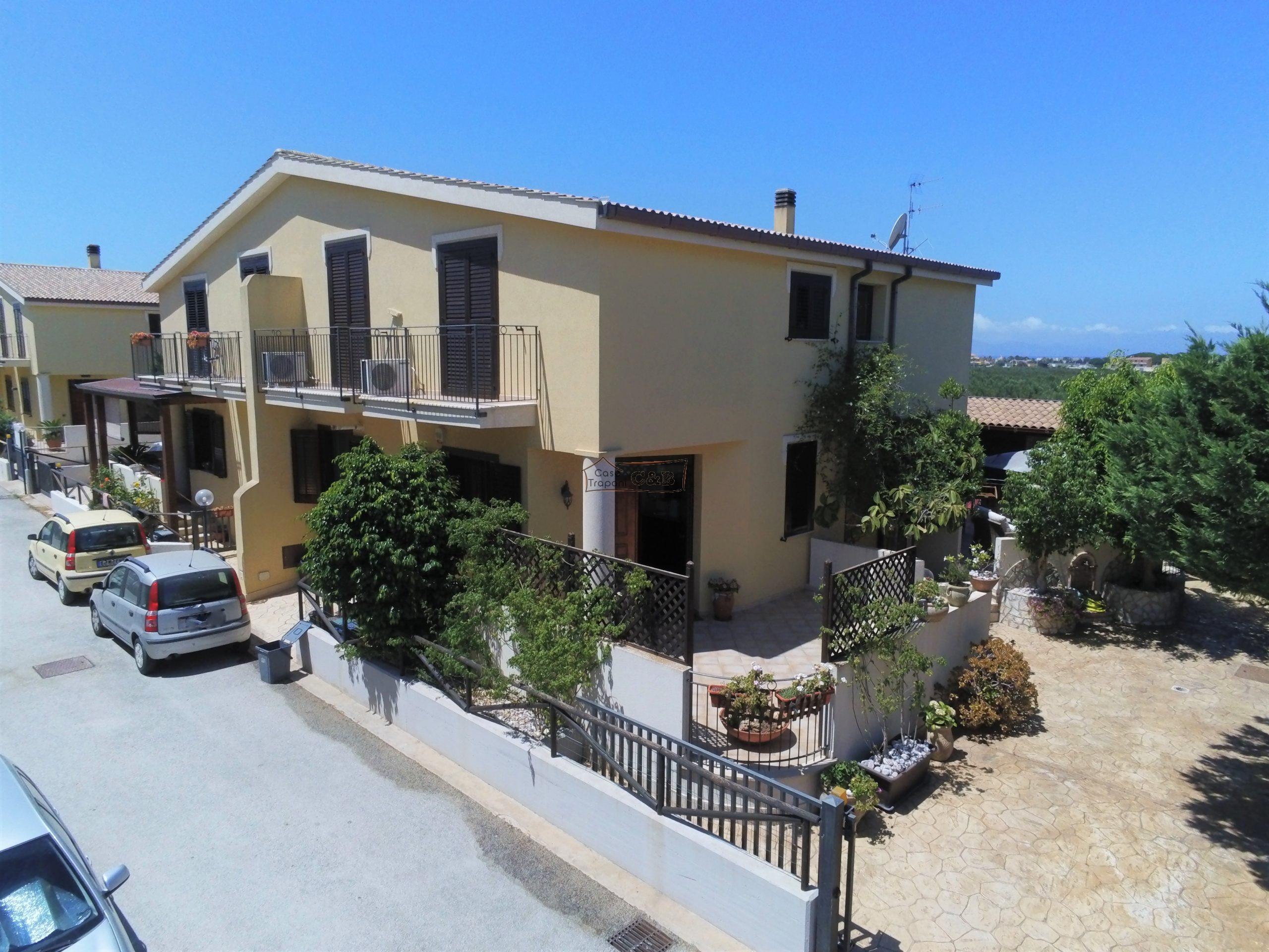 Villa Bifamiliare a Salinagrande