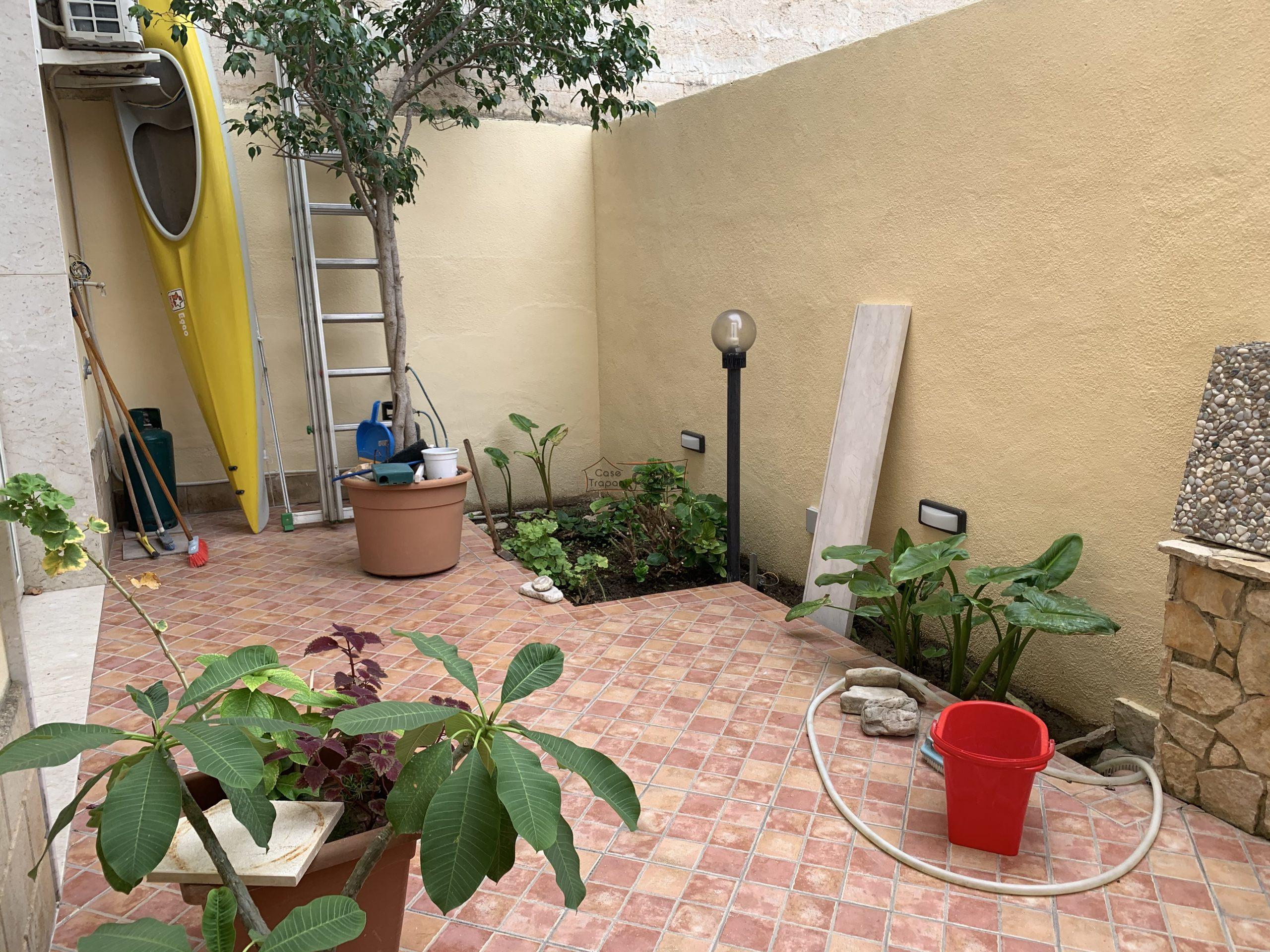 Appartamento arredato con veranda