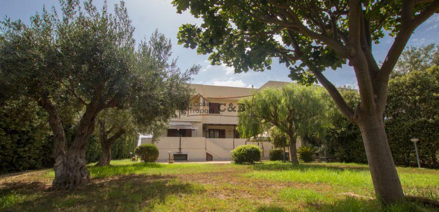 Villa bifamiliare in città