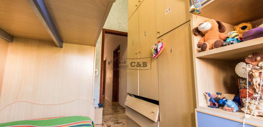 Palazzina con tre appartamenti